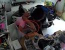 Băng nhóm kề dao vào cổ cô gái cướp iPhone ở Sài Gòn sa lưới