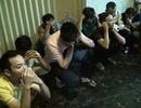 """Gần 100 cảnh sát """"đột kích"""" ổ cờ bạc cực khủng trong chung cư ở Sài Gòn"""