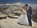 Cặp đôi chụp ảnh cưới đẹp mê hồn trên mỏm đá cao 1400m