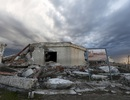 """""""Thị trấn ma"""" bất ngờ nổi lên sau gần 30 năm ngập chìm trong nước"""