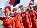 Trang phục nữ tiếp viên hàng không thay đổi thế nào qua các thời kỳ?