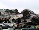 """Bên trong """"nghĩa địa ô tô"""" chất cao như núi ở Trung Quốc"""
