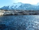 """Sóng biển """"đóng băng"""" và những khoảnh khắc kỳ diệu không thể tin nổi"""