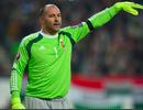 Thủ môn 40 tuổi của Hungary đi vào lịch sử Euro