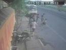 Nhóm thanh niên dùng súng doạ bắn nhân viên cửa hàng bánh mỳ