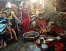 Nóng hầm hập: Thịt ế sưng, xếp hàng đêm mua cua đồng