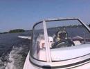 Kinh ngạc chó lái tàu thủy tốc độ cao