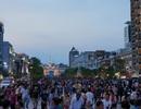 Cấm hàng rong, quảng cáo, bói toán... trên phố đi bộ Nguyễn Huệ