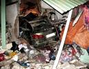 Xe Lexus lao vào nhà dân, 1 người chết, 5 người bị thương