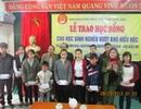 Quảng Trị: Việt kiều Mỹ trao học bổng đến học sinh vượt khó