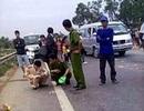 Quảng Trị: Xe khách đấu đầu xe tải, 1 tài xế tử nạn
