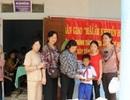 """Trao tặng """"Mái ấm khuyến học"""" đến gia đình học sinh nghèo hiếu học"""