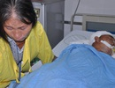 Mẹ nghèo quặn lòng khi 2 con trai đều gặp tai nạn giao thông kinh hoàng