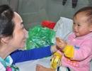 Bé 1 tuổi ăn cháo loãng cầm hơi được lên bệnh viện Nhi TW phẫu thuật
