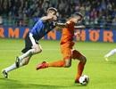 Van Persie cứu Hà Lan thoát thua trước Estonia