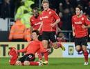 MU ngậm đắng chia điểm trên sân Cardiff
