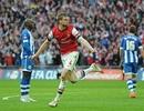 Arsenal may mắn giành vé vào chung kết FA Cup