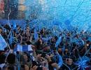 Man City tưng bừng diễu hành ăn mừng ngôi vô địch Premier League