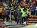 Truyền thông Malaysia phê phán việc CĐV nhà tấn công CĐV Việt Nam
