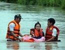 Giải cứu thành công 19 người Campuchia thoát khỏi lũ dữ