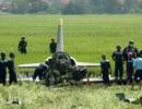 Hình ảnh trong tuần: Người lính lái máy bay hỏng động cơ cố né khu dân cư