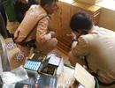Hà Nội: Thu giữ hàng nghìn viên nén, tuýp chất lỏng nghi thuốc kích dục