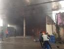 """Hà Nội: Cháy gara ô tô, nhiều xe hạng sang """"thoát nạn"""""""