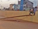Hà Nội: Thanh dầm thi công tuyến đường sắt trên cao rơi xuống đường