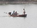 Hà Nội: Người đàn ông chết dưới hồ Linh Đàm, tay vẫn cầm kính bơi