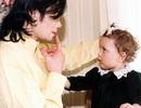 Trọn bộ hình ảnh từ nhỏ tới lớn của con gái Vua nhạc Pop