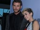 Miley Cyrus hạnh phúc sánh đôi bên bạn trai