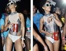 """Rihanna nhảy múa """"điên cuồng"""" trong lễ hội Carnival"""