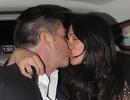 Simon Cowell âu yếm hôn bạn gái