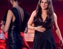 Mila Kunis mặc váy rộng che bụng bầu?