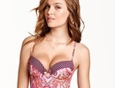 Ngắm người đẹp 9X gợi cảm của Victoria's Secret
