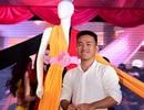 Lê Thanh Hòa trình diễn trang phục chuyển hương trên sân khấu
