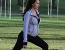 """Con gái tỷ phú F1 """"bầu bí"""" vẫn tập thể dục chăm chỉ"""