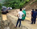 Quốc lộ 4D bị chia cắt hoàn toàn sau mưa lũ