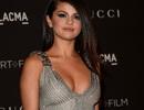 Selena Gomez rơi lệ trong MV mới