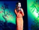 Ngọc Anh điệu đà bên Quang Linh