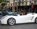 Kim Kardashian sở hữu nhiều ô tô xịn