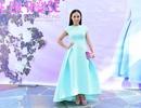 Huyền Ny thanh lịch trong chiếc váy xanh