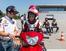 Tay đua MotoGP hướng dẫn lái xe an toàn