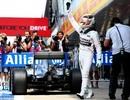 Lewis giành pole tại sân nhà