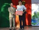 Học sinh lớp 12 nhận giải thưởng hơn 30 triệu đồng của Đại học FPT