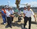 Cấp cứu ngư dân Quảng Ngãi ở Trường Sa bị tai biến