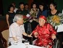 Tổng bí thư Nguyễn Phú Trọng chúc thọ nhà viết kịch Học Phi