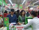 """Hà Nội: Nhân viên siêu thị """"mướt mồ hôi"""""""
