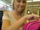 Người mẫu vào thư viện trường ĐH quay clip nóng