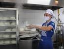 Nhiều vụ ngộ độc thực phẩm lớn do suất ăn giá quá rẻ